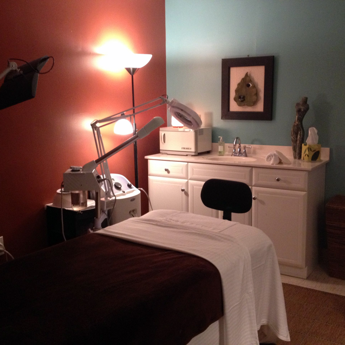 esthetician treatment room spa massage